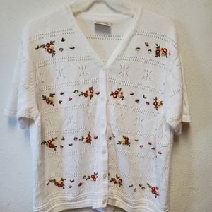 Vintage short sleeve knit cardigan with flowers